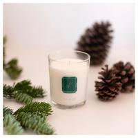 Plus que quelques jours avant Noël 🎄  Avec nos bougies parfumées, déclarez votre flamme sous le sapin 🎁  Vous pouvez toujours passer voir notre équipe aux Galeries Lafayette Haussmann, qui sera ravie de vous accueillir ✨  #lapromenade #parfums #bougies #candles #bougieparfumee #noel #christmas