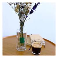Nos produits Upcycling ♻️  A chaque création d'un produit, nous réfléchissions à la seconde vie qu'il pourra avoir, la façon dont vous pourrez le réutiliser pour ainsi créer un objet sur la durée ✨  Diffuseurs d'ambiance reconvertis en vase à installer dans votre chambre, salon, salle à manger..💫  #makefridaygreenagain #upcycling  #greenfriday #recyclage #sauverlaplanete #lapromenade