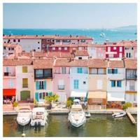 Port Grimaud, la Venise provençale 🛥⚓️☀️  @manon_suene_pradier    #fragrances #parfum #lapromenadeparfums #portgrimaud #paysages #cotedazur #madeinfrance #unecouleurunparfum