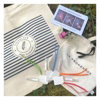 🇫🇷🌟 CONCOURS LA PROMENADE ~ VAINQUEUR 🌟  On s'est associé à la marque 100% Made In France @vainqueur.fr afin de vous offrir leur célèbre TOTEBAG MARIN ainsi que notre POCHETTE DÉCOUVERTE, composée de nos 4 senteurs phares ainsi que leur céramique 🌞  Vainqueur est une marque 100% française, qui utilise du coton 100% biologique pour ses tshirts et totebag responsables ♻️  Pour participer, il vous suffit de : 1️⃣ Suivre @la_promenade_parfums et @vainqueur.fr 2️⃣ Liker ce post 3️⃣ Mentionner 2 personnes de votre choix  1 commentaire = 1 participation, n'hésitez pas à commenter plusieurs fois ! 🌸  Bonus : Partagez ce post en story pour doubler vos chances !✨  Tirage au sort le dimanche 23 août, bonne chance à tous !🍀  🇺🇸🌟 SUPER CONTEST LA PROMENADE ~ VAINQUEUR 🌟  We have partnered with the brand 100% Made In France @vainqueur.fr to offer you their famous TOTEBAG MARIN as well as our POCHETTE DÉCOUVERTE 🌞  Vainqueur is a 100% French brand, and uses 100% organic cotton for its responsible tshirts and totebag ♻️  To participate, all you have to do is : 1️⃣ Follow @la_promenade_parfums and @vainqueur.fr 2️⃣ Liker this post 3️⃣ Mention 2 persons of your choice  1 comment = 1 participation, feel free to comment several times! 🌸  Bonus : Share this post as a story to double your chances !✨  Draw on Sunday, August 23rd, good luck to all !🍀  #concours #giveaway #concoursintagram #contest #jeuconcours #contests #lapromenade #grasse #candles #parfum #bonheur #interiordesign